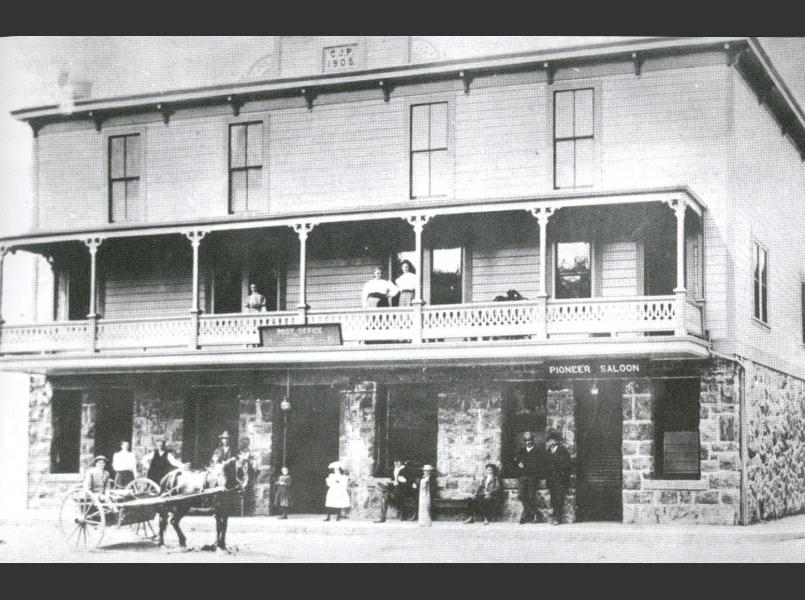Glen Ellen post office and saloon in 1906